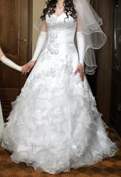 Продам свадебное платье,  белое,  на бретельках